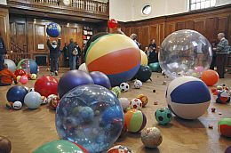 Martin Creed - Work no.370 Balls